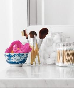 brushes-qtips-cotton_300