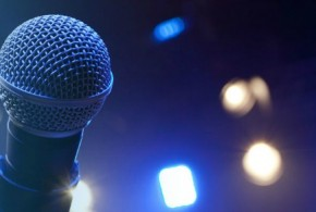 Lisa Evans Teaches Public Speaking Confidence To Women