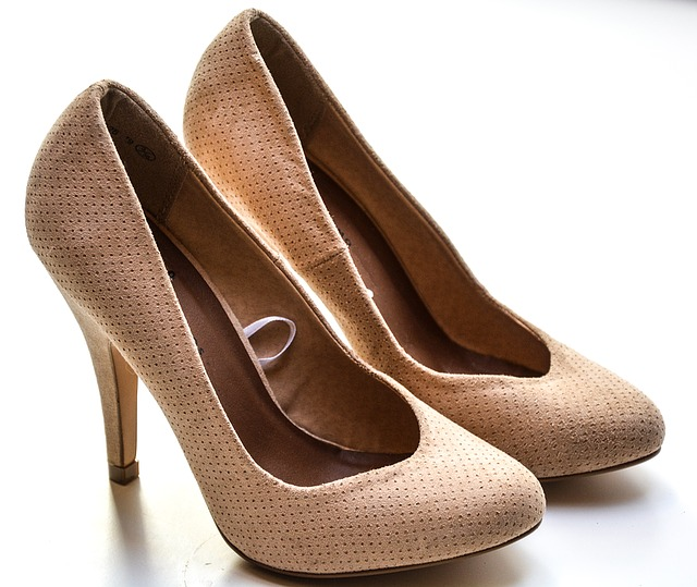 high-heels-1327022_640
